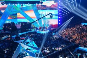 Impression X4'S Stun Celebs At VMA AWARDS
