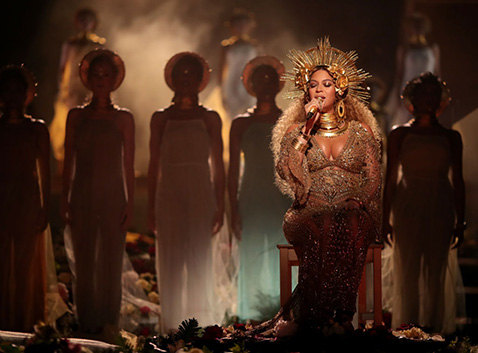 GLP Beyonce at Grammy Awards  W