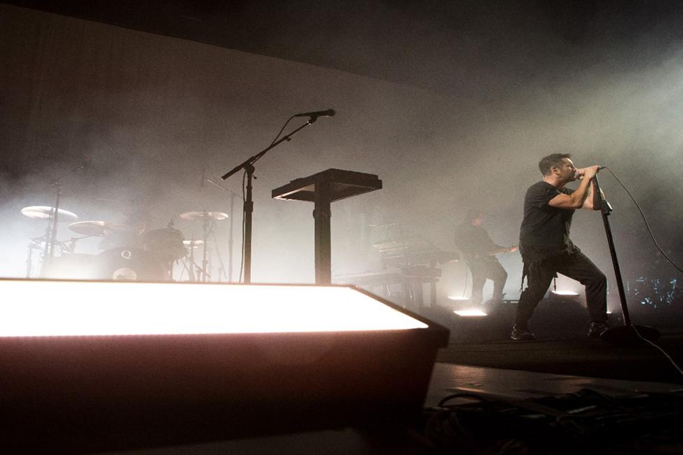 Nine Inch Nails LD Arlo Guthrie
