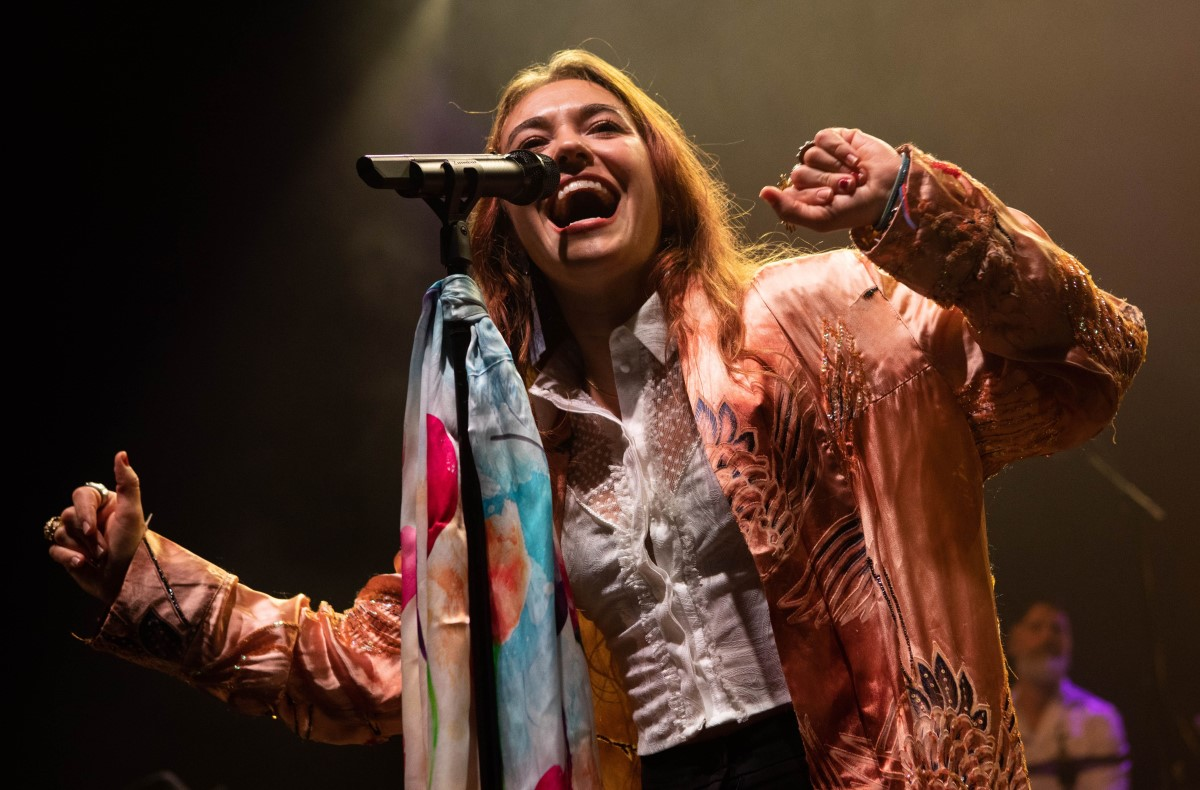 Lauren Daigle photo credit Shutterstock editorial 10474382i